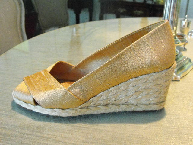 Terrific LAUREN Orange Gold Gold Gold Raw Silk Open Toed Espadrilles 5.5B 26e6de