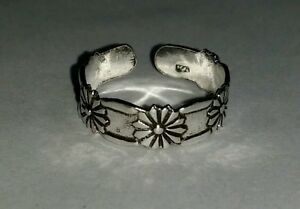 .925 Sterling Silver 5 Flower Design Adjustable Toe Ring Beautiful+ High Quality
