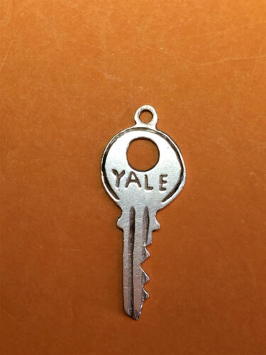 Vintage sterling silver charms House Door KEYS Lock Key Yale If found return to