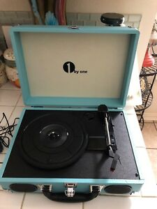 1-By-One-Vintage-Turntable-Portable-Suitcase-Style-Turquoise-Never-opened