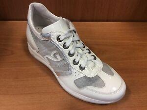 Sneakers NERO GIARDINI col bianco art P207024D tessuto e vernice