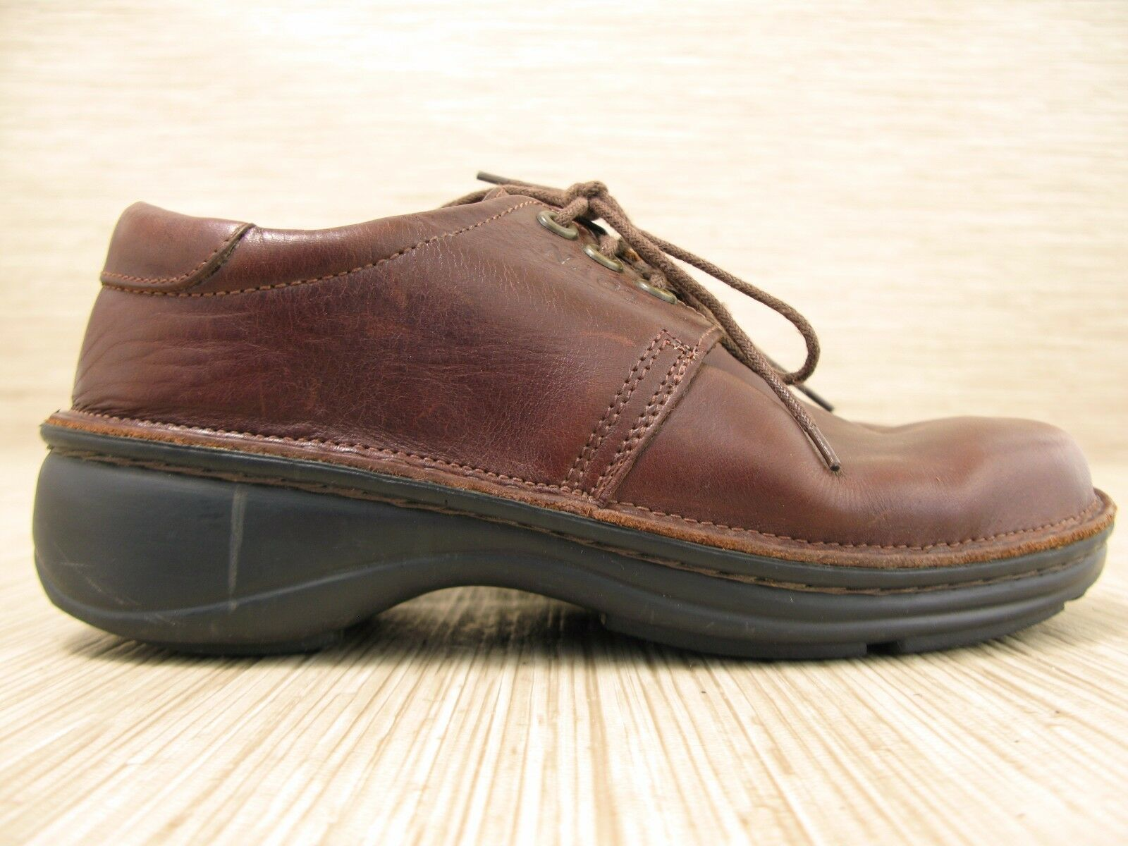 NAOT Dark Marroneee Leather scarpe Wouomo US 6-7 EUR 37 Lace Up Oxfords Cork Insole