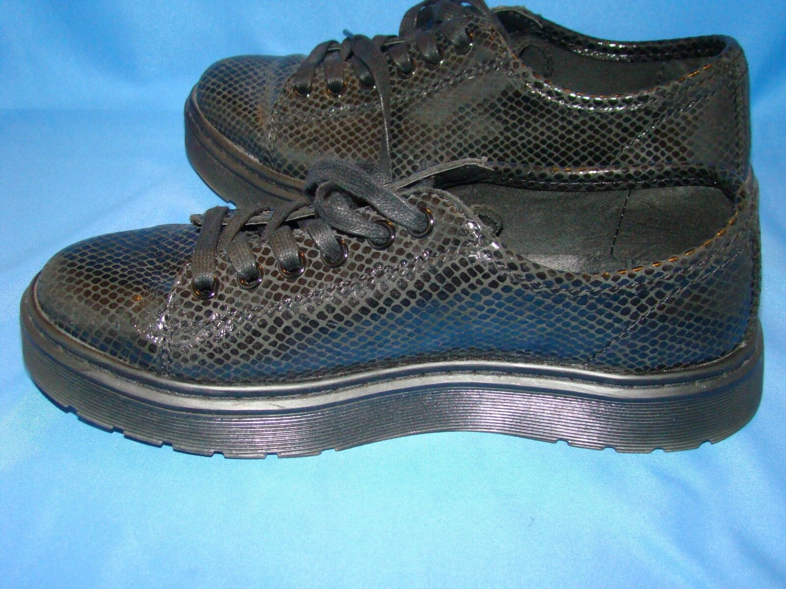 Women's Martens Dr Martens Women's Spin Shoes Size-7 Black cf8767