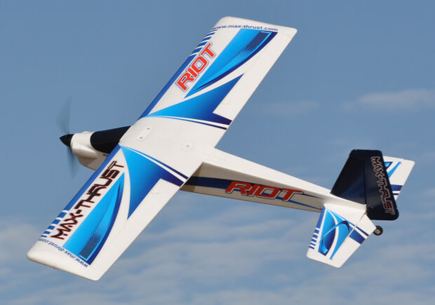 Max-Thrust Riot V2 Radio Remote Control Model Sports Plane - bluee