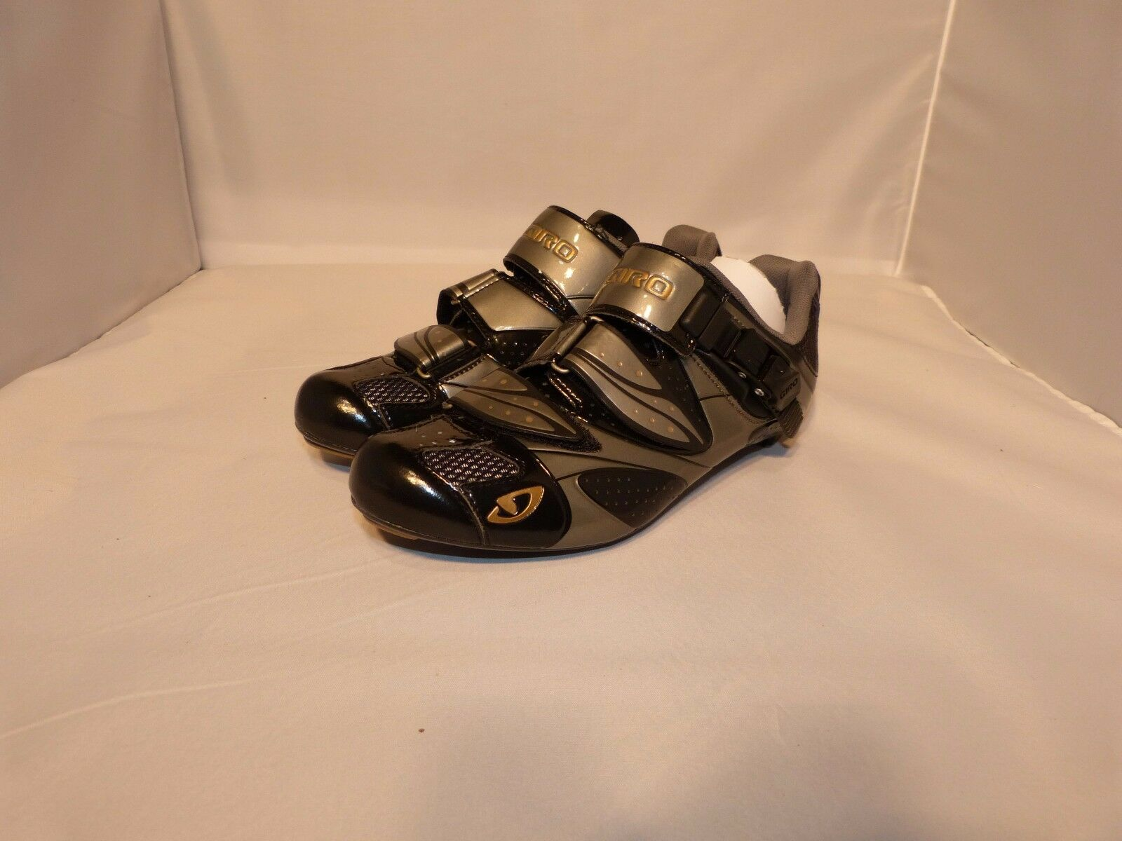 Giro Espada Women's Road Cycling shoes Charcoal Titanium 3 bolt cleats NEW