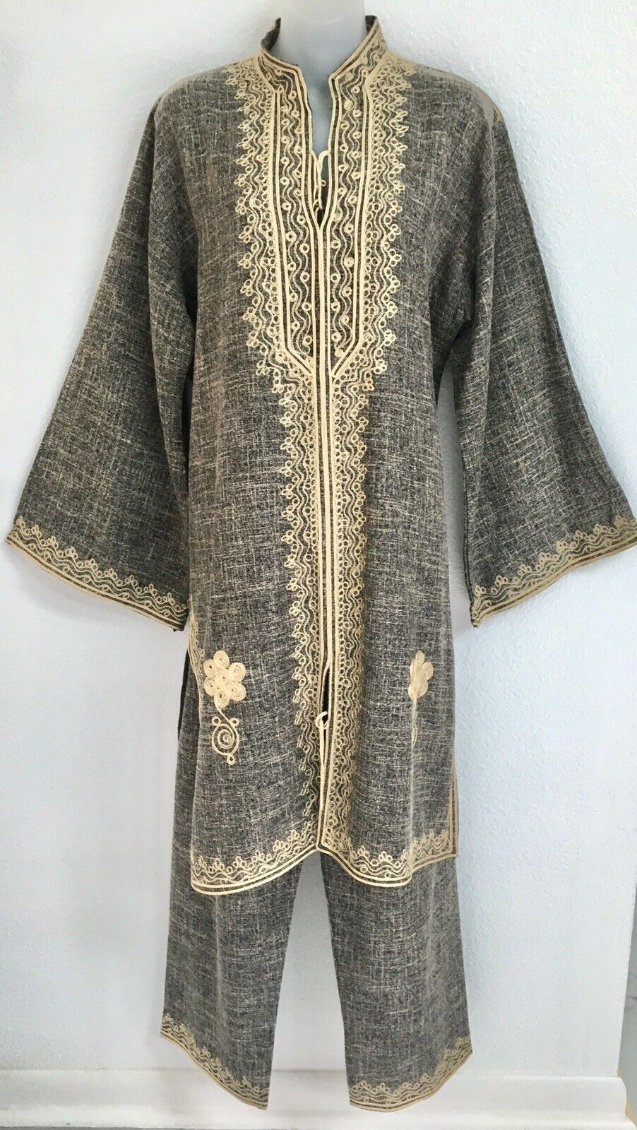 STUNNING MgoldCCAN DJELLABA W PANTS SIZE MED NWOT