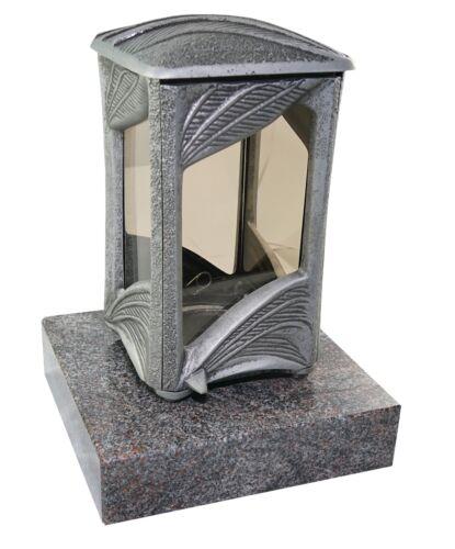 Grablaterne 612 aus Aluminium montiert auf einem Granitsockel Paradiso