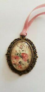 Amulet-Medallion-Roses-Approx-1-3-16in-Unique-Handarbeit-For-Bar-Or-Doll