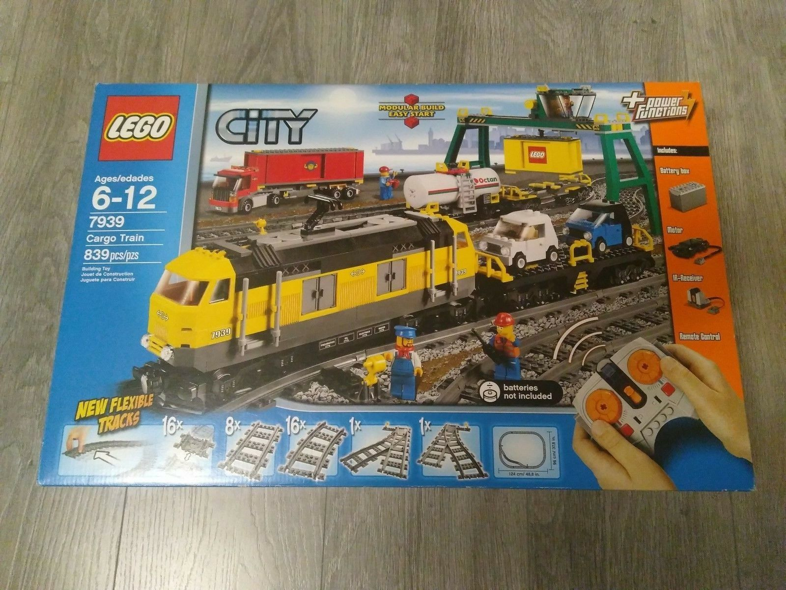 Lego Cargo Train 7939 Brand Nuovo Sealed in Box