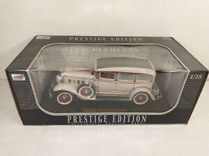 Anson-Prestige-Edition-1931-Peerless-1-18-Die-Cast-auto-blanco-y-rojo