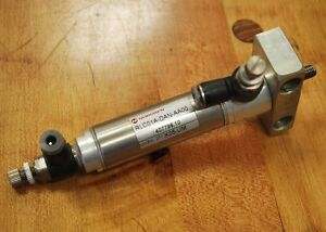 "Norgren RLC01A-DAN-AA00 Pneumatic Cylinder, 1"" stroke 3/4"" bore. - USED"