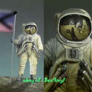 1-32-Unpainted-Astronaut-Moonfall-Figure-Spaceman-Resin-Statue-GK-Unassembled