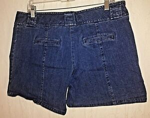 CABELAS-casuals-blue-denim-casual-shorts-tag-size-14-actual-W36-L6-rise-9-5