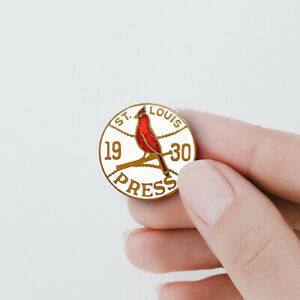 St-Louis-Cardinals-1930-World-Series-Enamel-Press-Promotional-Pin-Badge-Button