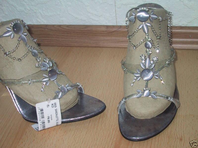 Designer Sandalette NEU mit Gr. 41 silbern super edel mit NEU Strasssteinchen versehen 102c0e