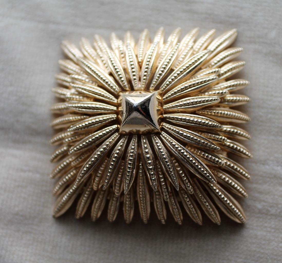 Vintage Signed TRIFARI Crown goldtone RHOMBUS Shape Pin Brooch