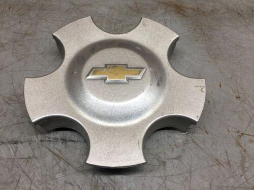 2004-2006 Chevy Malibu OEM Silver Gold Wheel Center Cap 9596356 X1