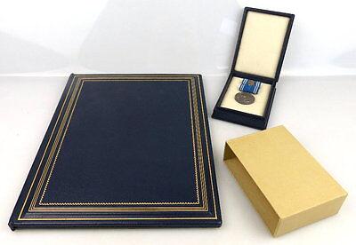 Clara Zetkin Medaille in 900 Silber im Etui mit Urkunde verliehen 1962 Orden1095
