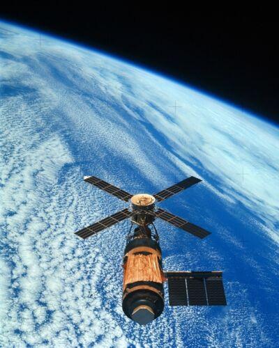 Overhead View of the Skylab Orbital Workshop in Earth Orbit New 8x10 Photo