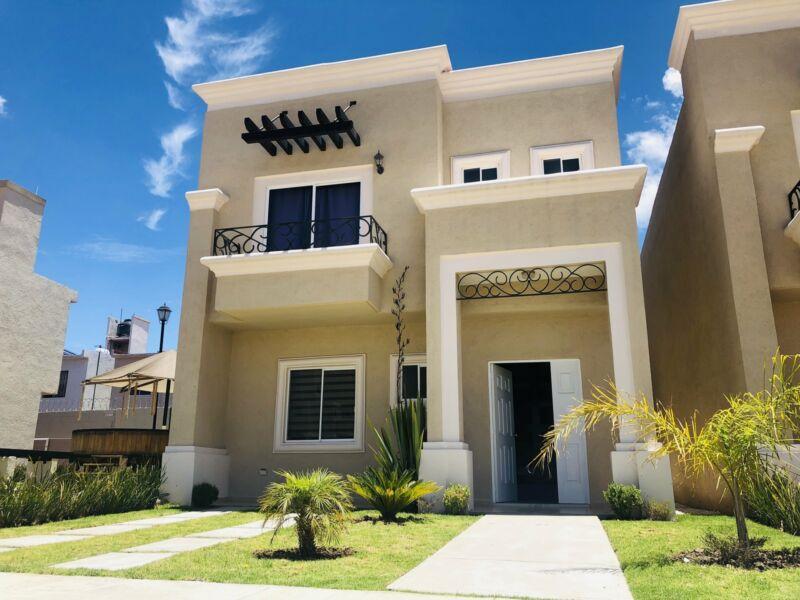 Hermosa Casa Elite con arquitectura Californiana