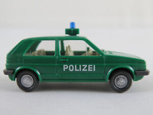 Wiking-104-2a-VW-Golf-II-1983-1987-034-policia-034-en-verde-1-87-h0-buen-estado