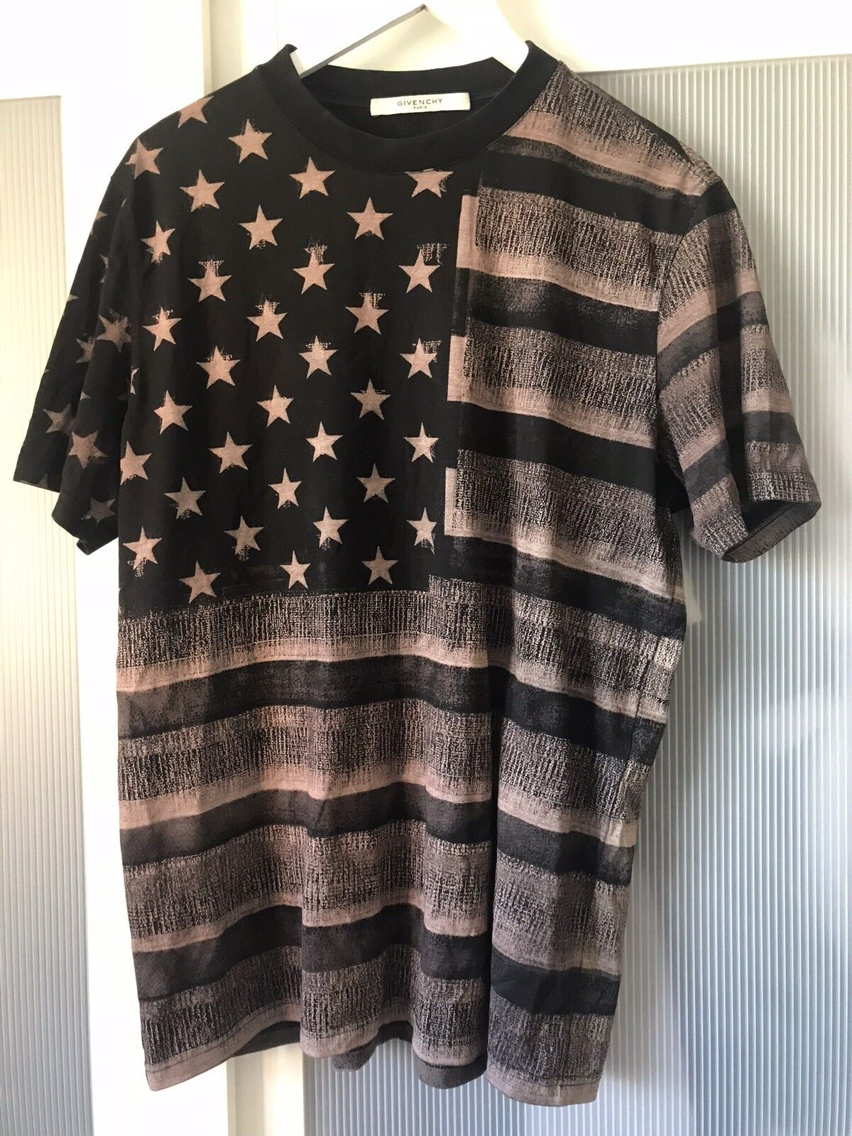 Givenchy tshirt top Ultra Rare  100% authentic