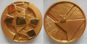 medaglia-scultura-i-5-soli-di-Gio-Pomodoro