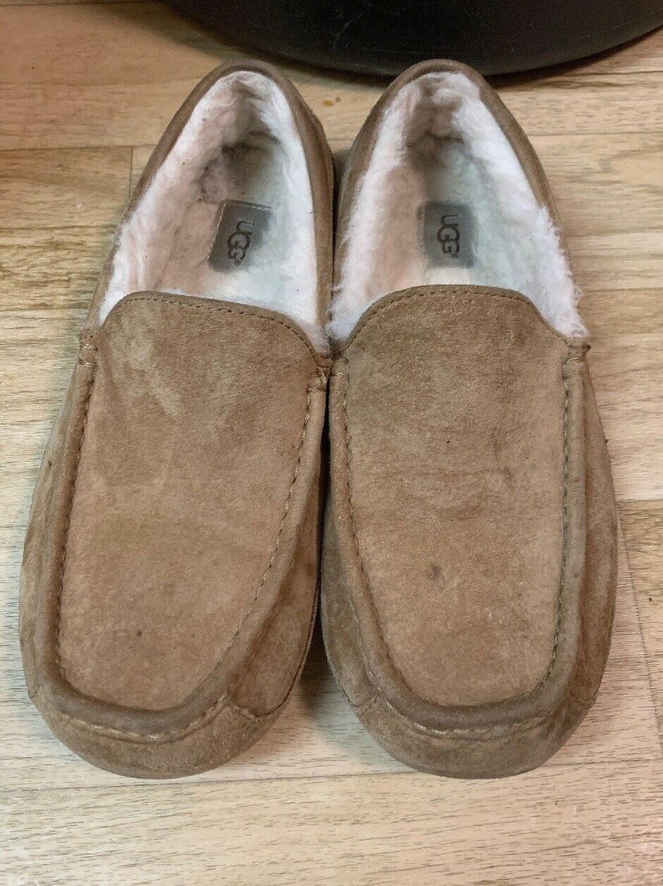UGG Mens Tan Slippers Size 10 Sold As