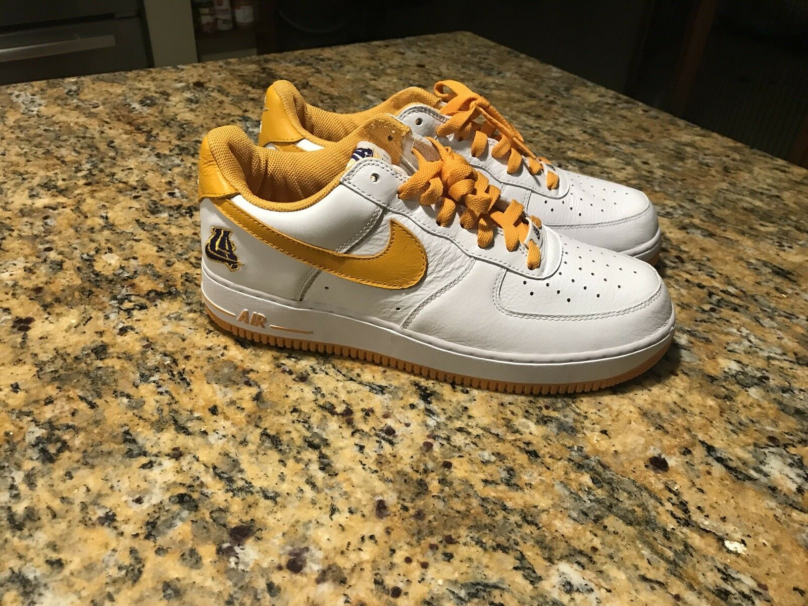 Nike Air Force 1 Undefeated Size 10.