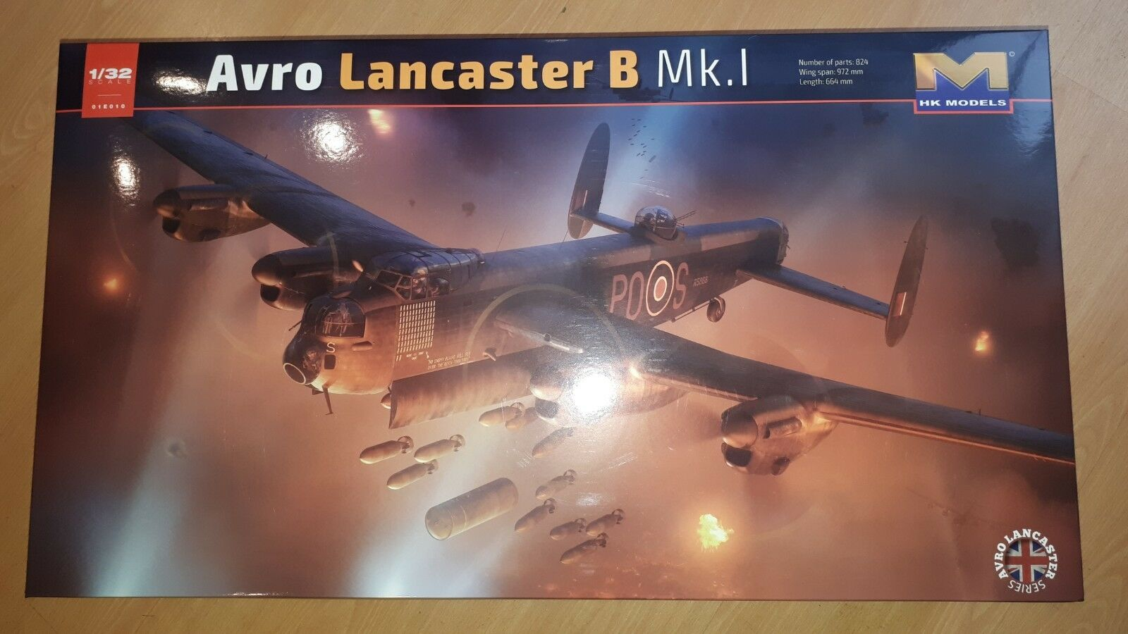 HK MODELS 1 32 AVRO LANCASTER B.I III E10, HIGHLY DETAILED PLASTIC MODEL KIT