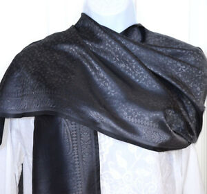 Banaras-Silk-Charcoal-Gray-Woven-Floral-Paisley-Shawl-Wrap-Stole-from-India