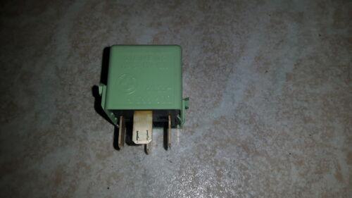 BWW E30 E32 E34 E36 E39 E46 Relais grün 61.36-8 366 600