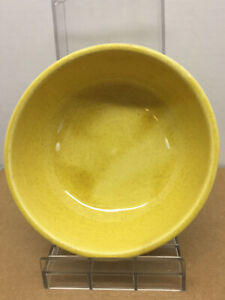 Vintage-Signed-McCoy-Pottery-Yellow-speckled-USA-salad-or-cereal-bowl-good-cond