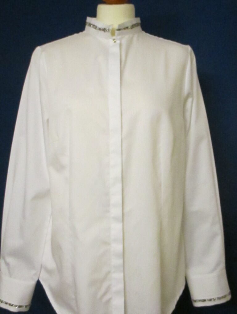 B.M. Company edle weiße Blause mit Stehkragen, strassbesetzt, Größe 40