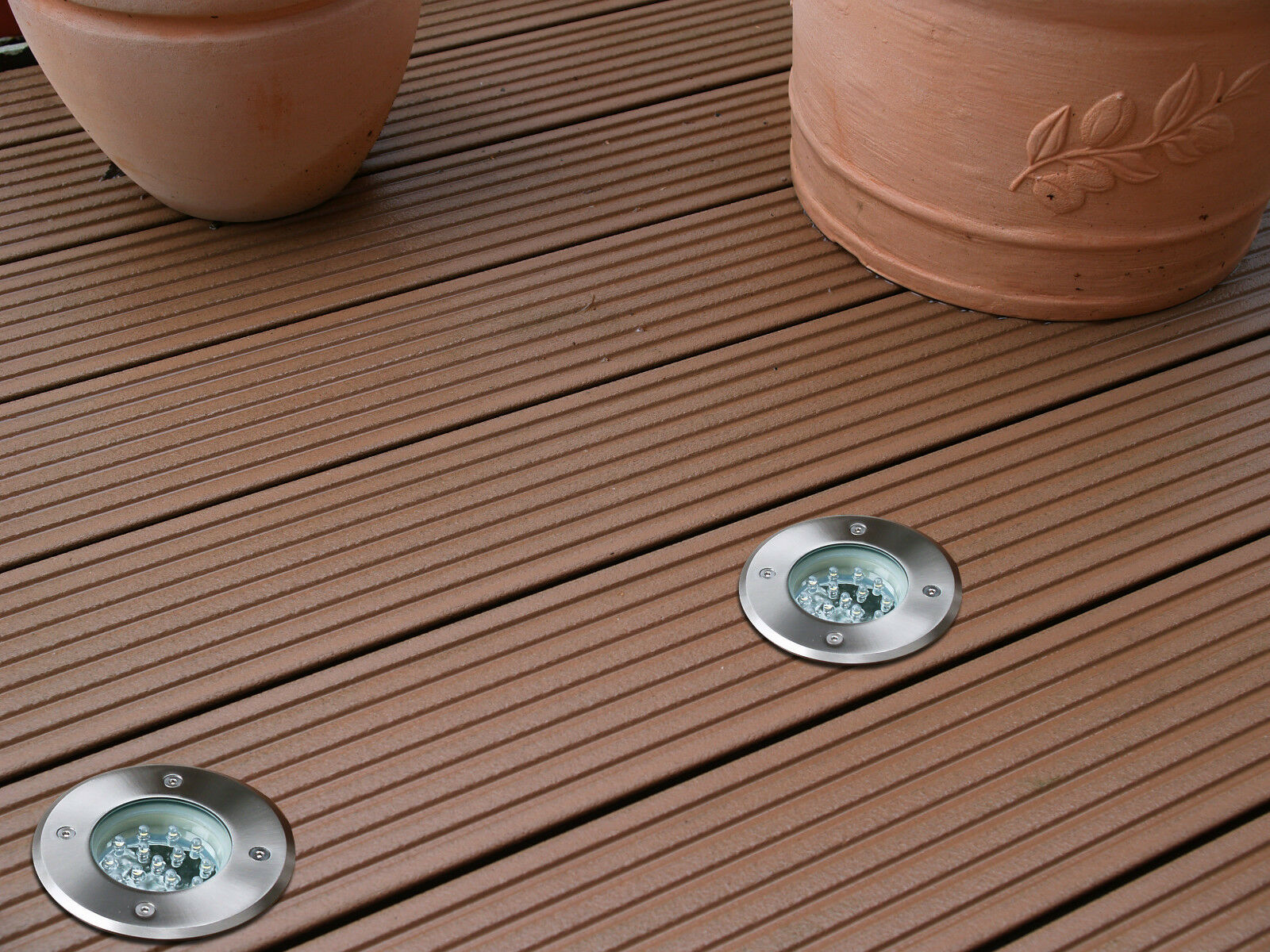 Hochwertige LED Aussenleuchte Bodenstrahler wasserfest inkl. Montagedose 230V