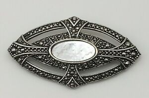 Vintage-Marcasite-Style-Mother-of-Pearl-Bar-Brooch-Pin-Silver-Tone-Metal-Elegant