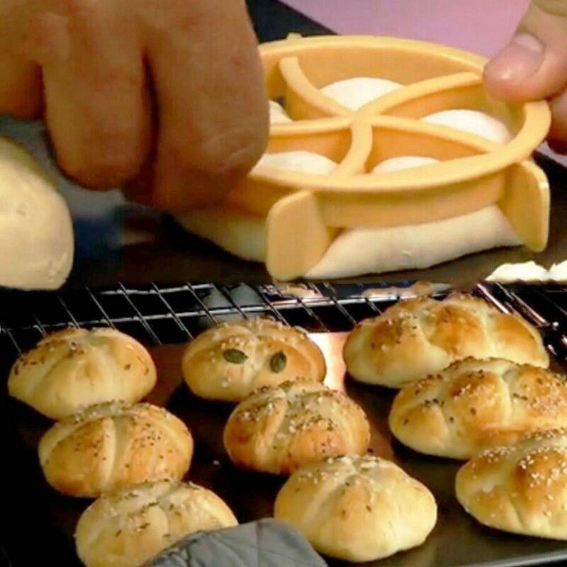 1//2 Pcs Bread Molds Plastic Dough Pastry Cutter Cookie Biscuit Press Mould