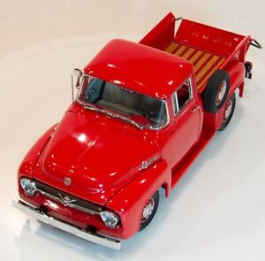 1956-Ford-F-100-Pickup-Danbury-Mint-with-Box-and-Cert-XLNT-Condition