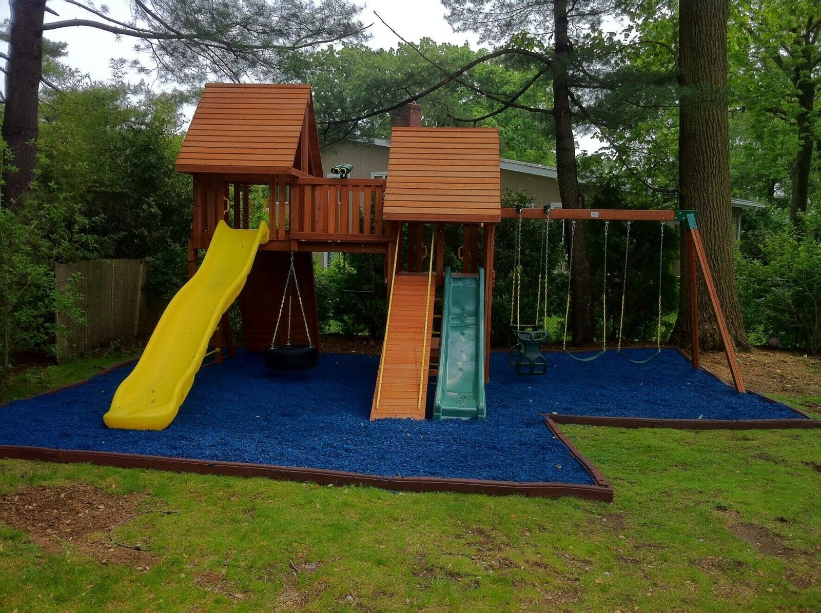 1 1 1 Full Pallet of Playsafer Playground Rubber Mulch blueE a74c9b