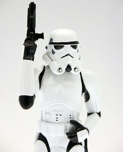 Stormtrooper-STAR-WARS-Figurine-Limited-edition-Collectible