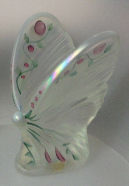 FENTON ART GLASS COMPANY    BUTTERFLY  HAND MADE  11-WE5271  MINT  NOT BOXED