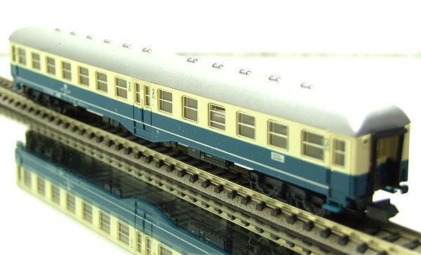 ARNOLD 3203 RETRO RAILWAY CARRIAGE PASSEGGERI BUSES 2a Class RAILROADS DB OVP