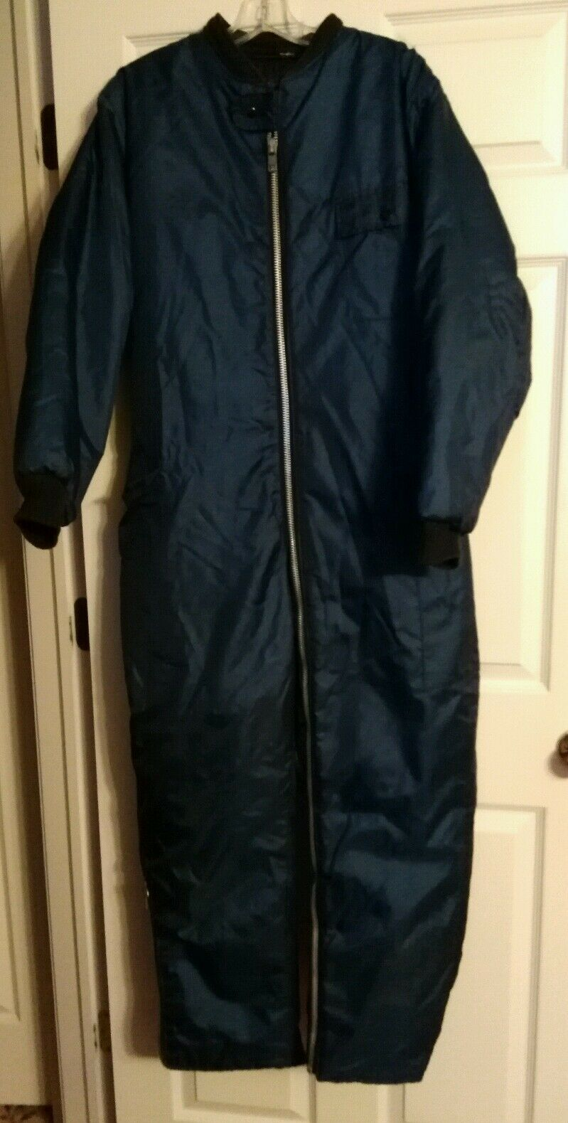 Medium Unisex bluee Vintage Insulated Snowmobile Suit.   outlet store