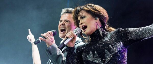 Donny and marie tickets donny and marie tour dates on stubhub donny and marie tickets alamy m4hsunfo