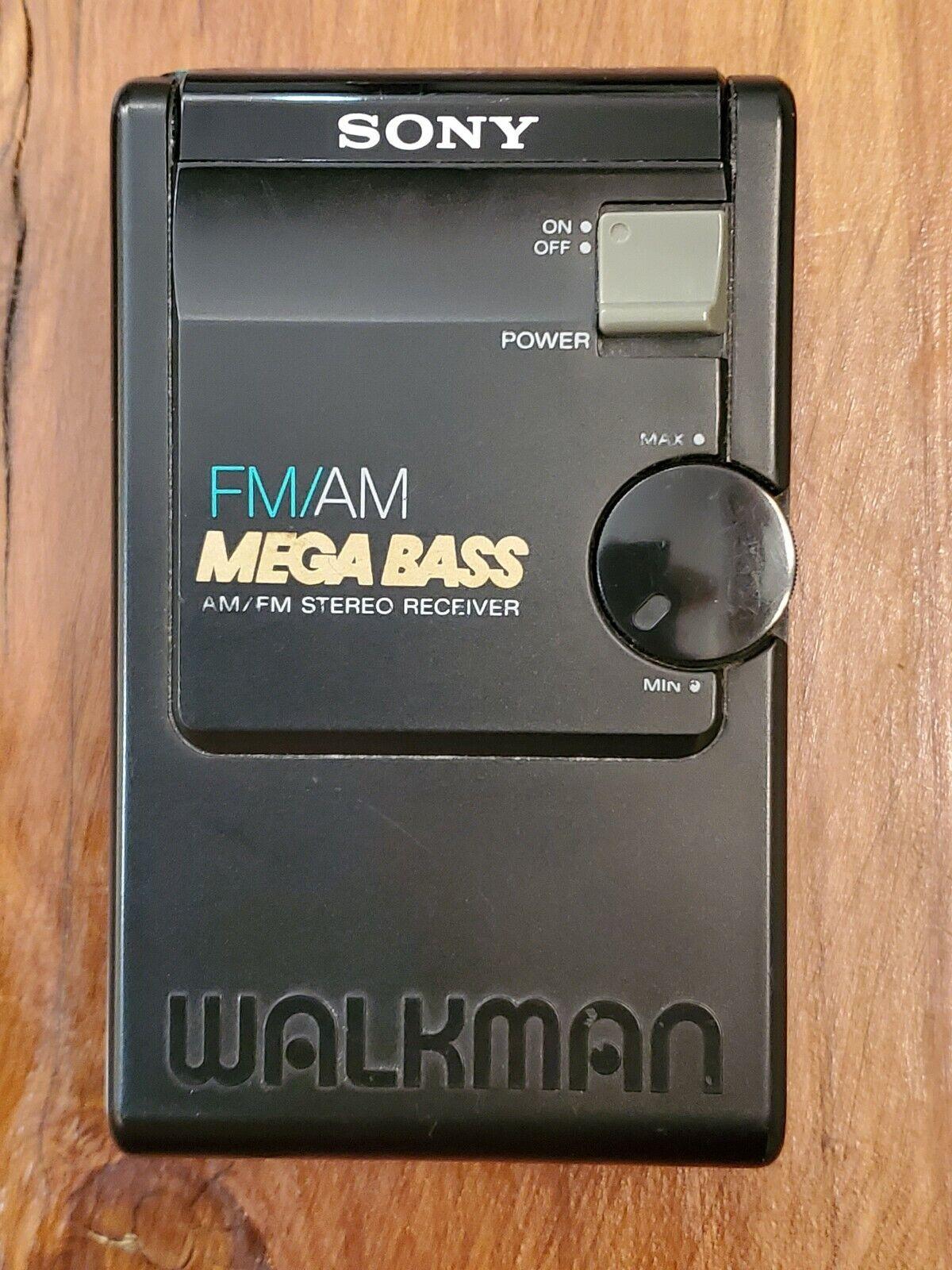 SONY WALKMAN SRF-19W AM//FM STEREO RECEIVER WITH HEADPHONES-NEW