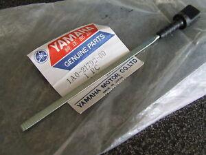 Yamaha-R5-DS7-RD250-RD350-RD400-Oil-Tank-dipstick-Gauge-1A0-21792-00-New-NOS