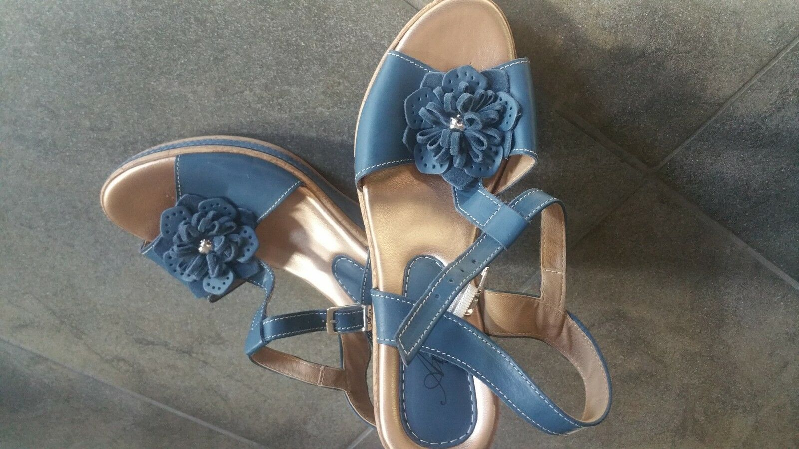 *New* COACH Summers Brown Leather Flats Sandals Women's Sz 8.5 Ankle Strap