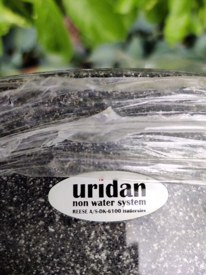 Pissoir, Uridan Urinal, væghængt