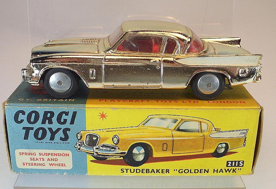 Corgi Toys 211S Studebaker golden Hawk goldchrom in OVP