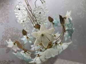 RARE-Vintage-Gilded-WHITE-amp-BLUE-MURANO-FLOWER-PETALS-CRYSTAL-CHANDELIER-FIXTURE